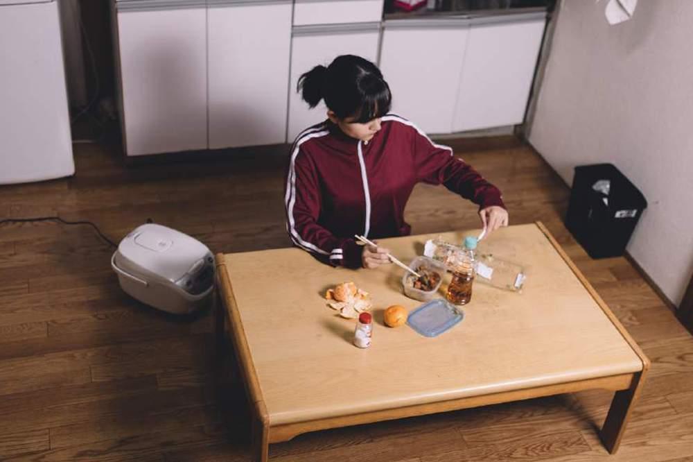 「一人暮らし 貧乏」の画像検索結果